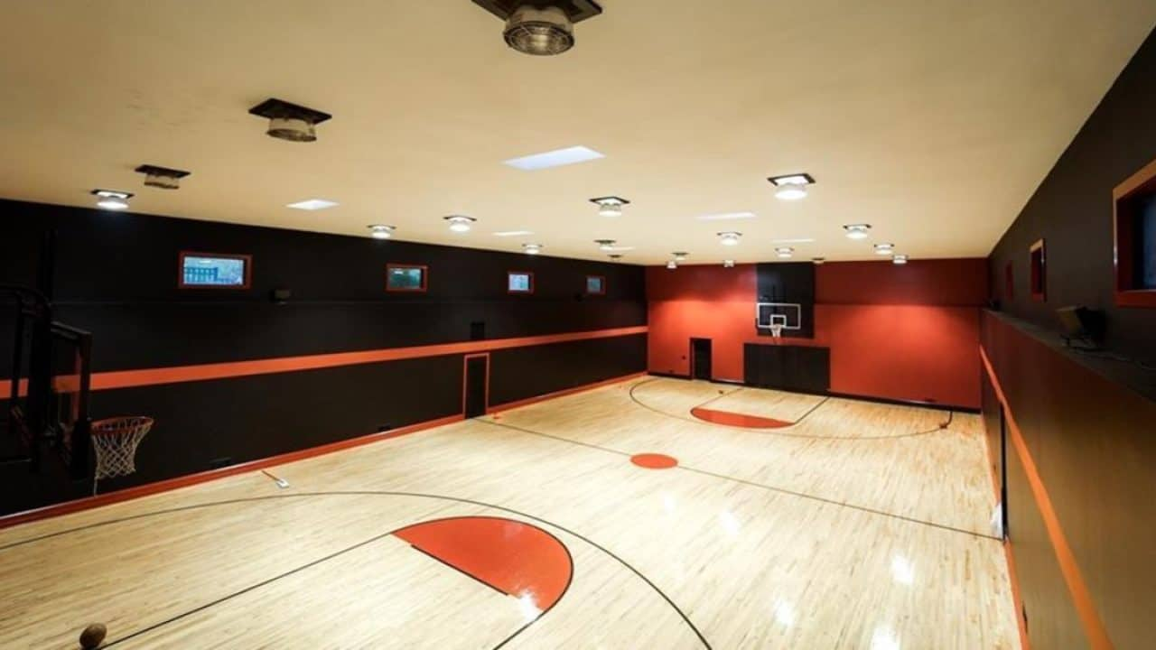 Former Laker Jordan Hill Sells Georgia Mansion With Indoor Basketball Court Reallylist Com